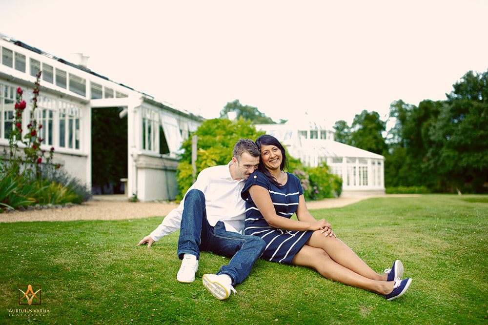 engagement session in Chiswick House and Gardens