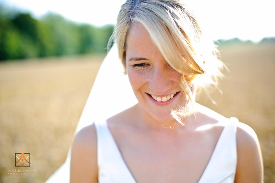 pledgdon barn wedding photographer in Essex
