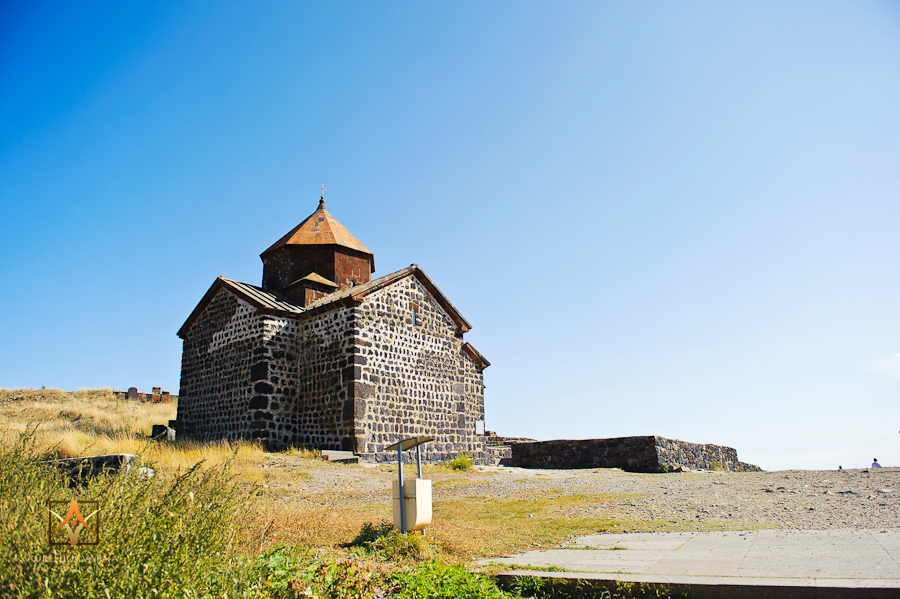 Destination wedding photography in Armenia