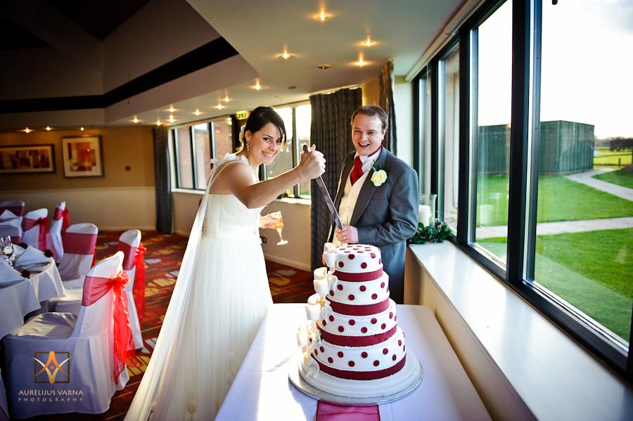 kill the wedding cake